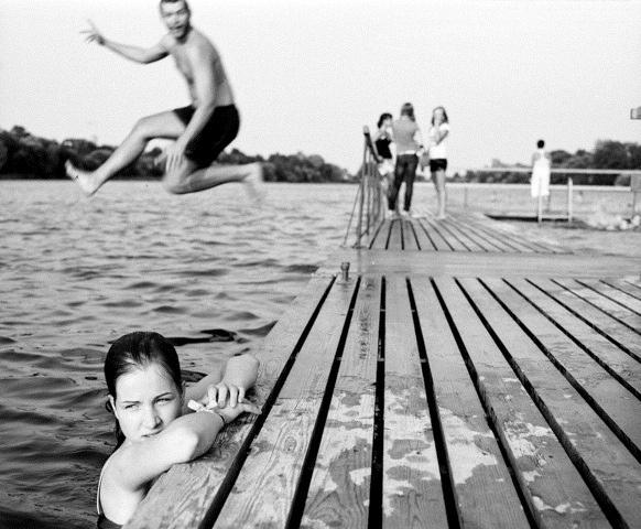 peldēt…